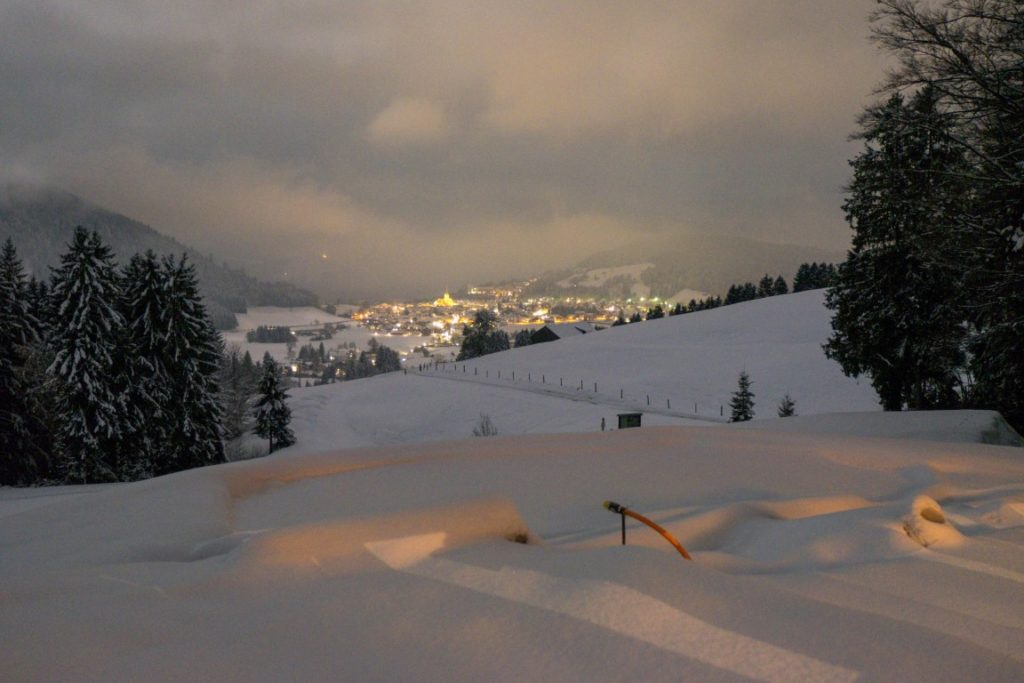 Oberstaufen snowshoe hike by night