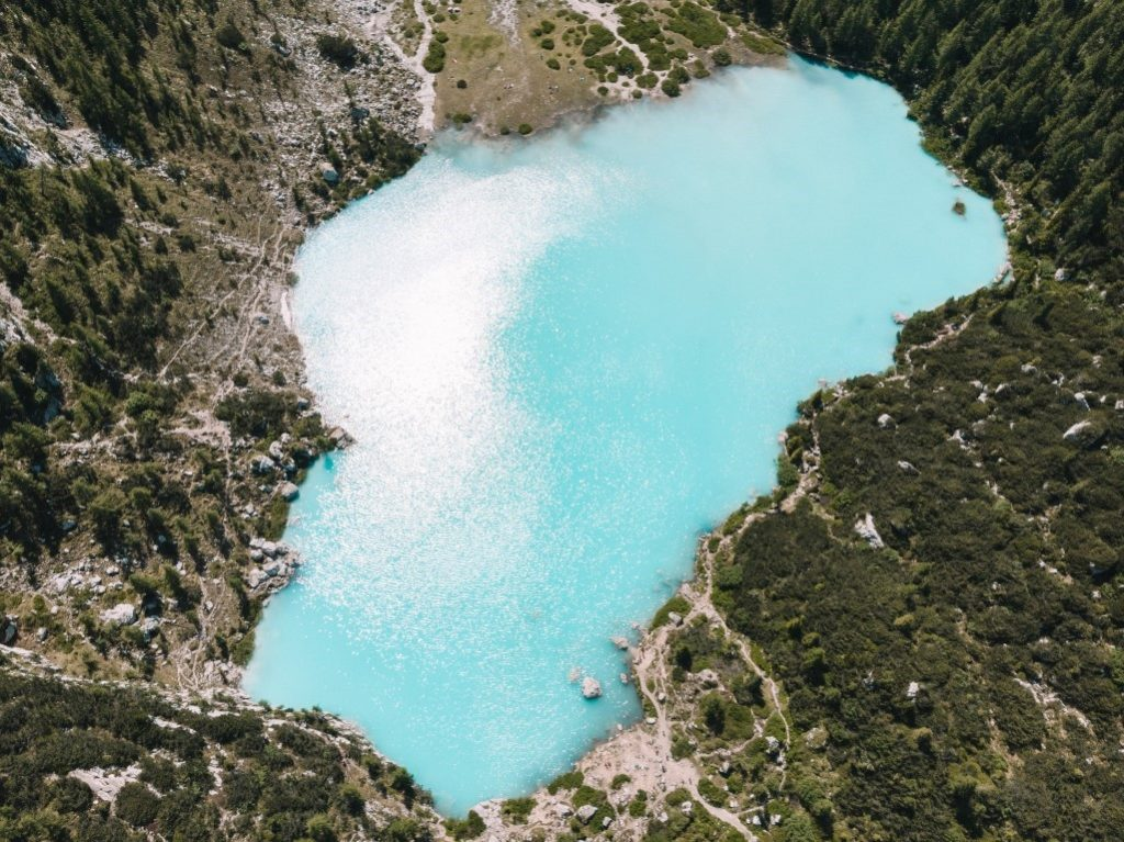 Sorapis lake with the drone